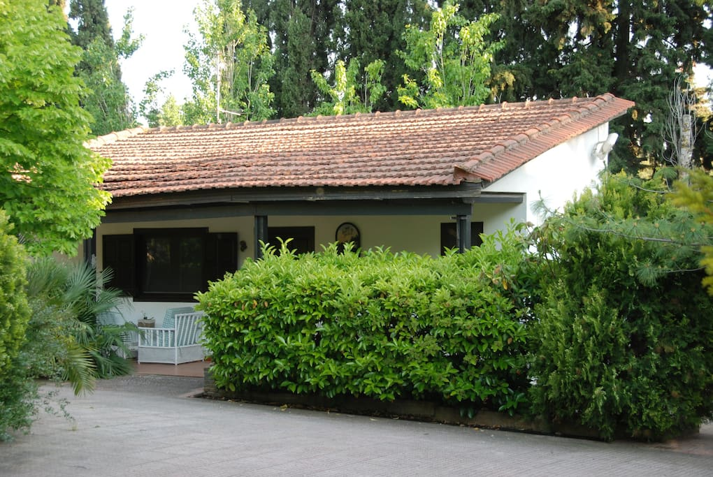 Bungalow with swimming pool