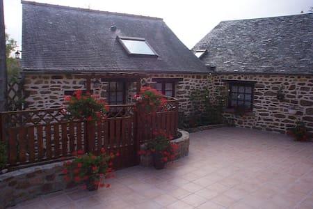 Proximité du Mont Saint Michel -St Malo - Dinan - House