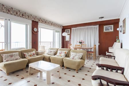 First line sea view apartment. - Wohnung