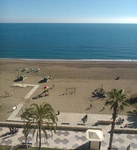 Beachfront Apartment at La Malagueta Beach - Málaga - Lejlighed