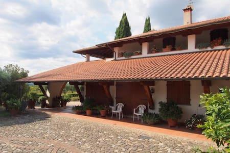 CASA PANORAMICA tra MONTALCINO e IL MARE - Borgo Santa Rita - Wohnung