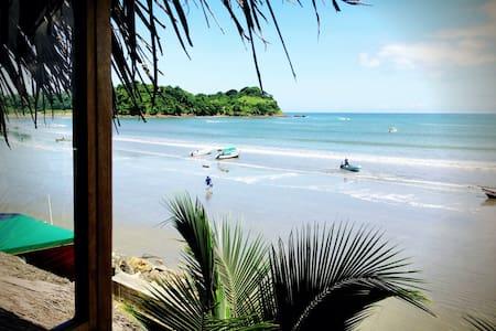 La Jungla Bungalows- Kiribati Beach - Ház