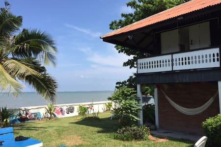 Sea House Upper floor near Pattaya - Pattaya - Haus