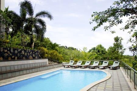 Thara Bayview Villa - Sleeps 11 - Villa