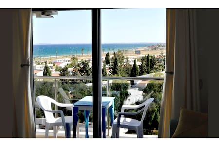 1 BEDROOM FLAT WITH SEAVIEW
