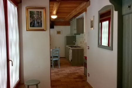Ampio appartamento - Wohnung