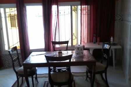 Belle villa équipée à louer à Yene - Casa