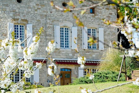 Les Anglades - ROOM - SAPHIRE BLEU - Bed & Breakfast