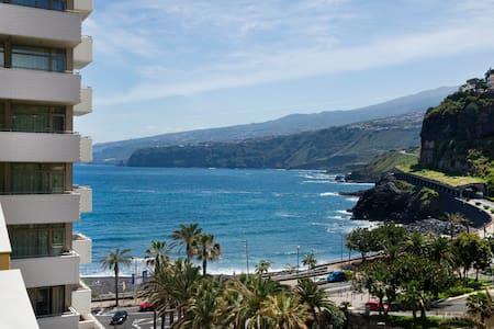 Studio overlooking the sea and pool - Puerto de la Cruz