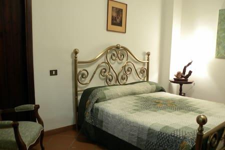 Stanza Alcantara | B&B Myda - Bed & Breakfast