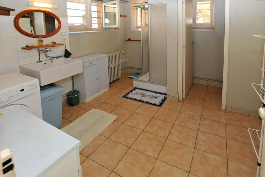 Chambre Meubl E Marraine Houses For Rent In Bourg En