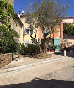 Fischerhaus im Herzen von Saint Tropez - Saint-Tropez - Ev