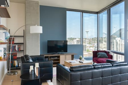 2BD SEA Pike Place & Belltown Haven