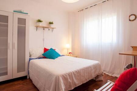 Habitacion RELAX, cerca Valencia - Torrent - Bed & Breakfast
