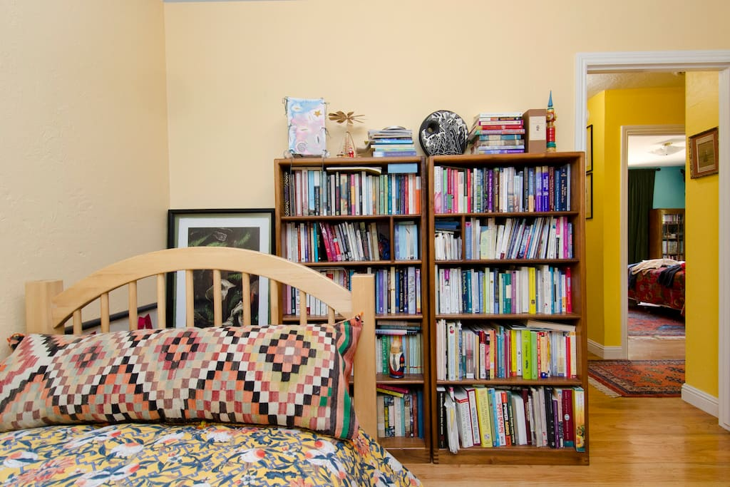 We love to read!  A mini library for your leisure.