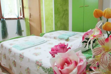 accogliente camera a roseto capo spulico (V) - Bed & Breakfast