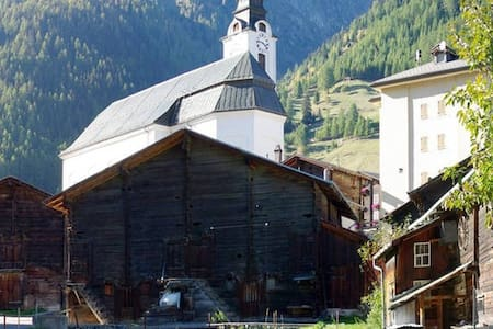 Loft appartment in the Alps - Huoneisto
