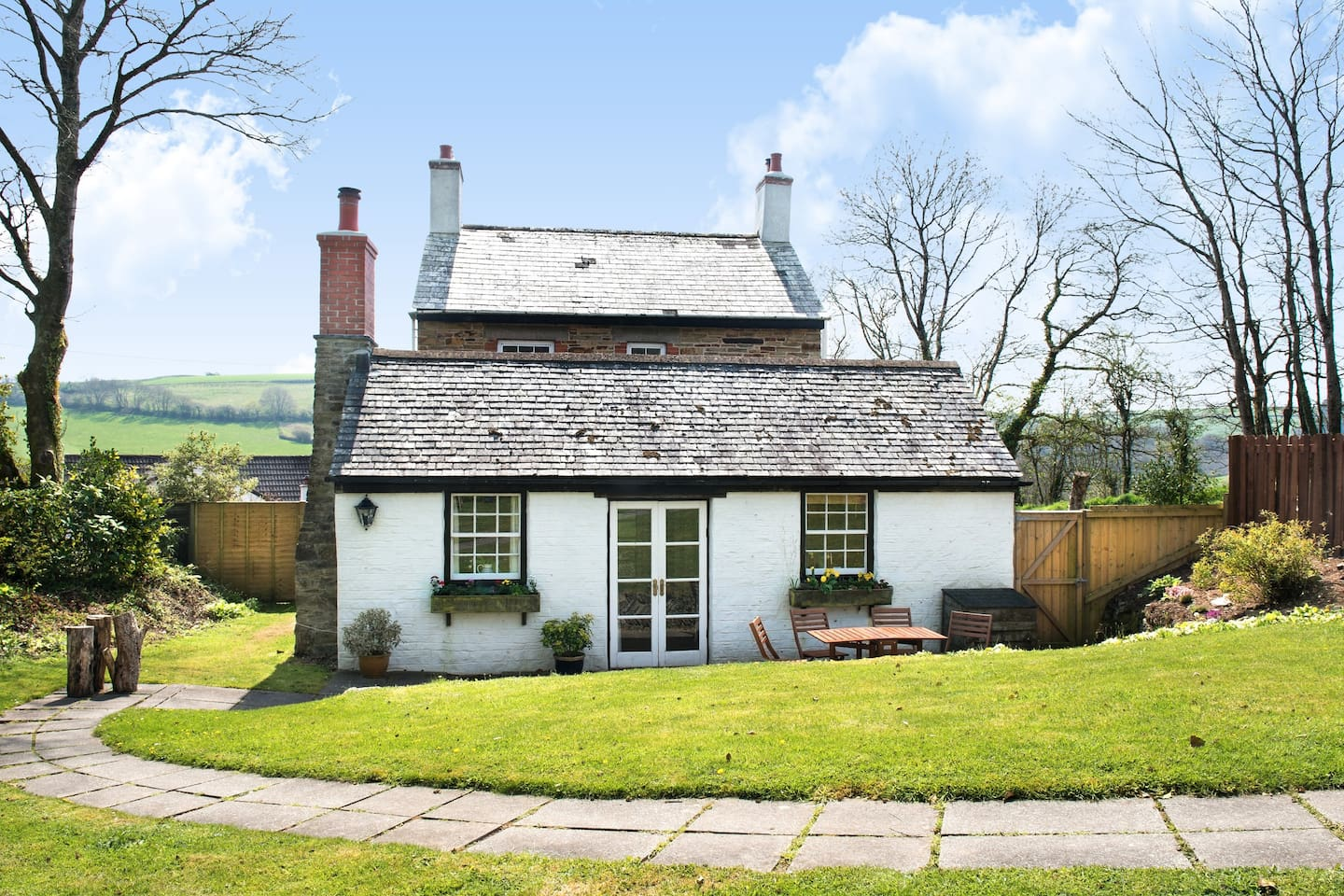 Welcome to Trevenna Cottage at Hill House!