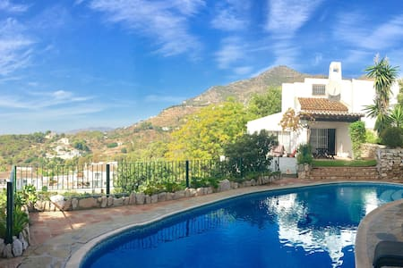 Villa with pool & stunning views of the Costa - Villa