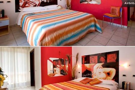 4*BEDS ROOM - B&B - VILLA CESARE