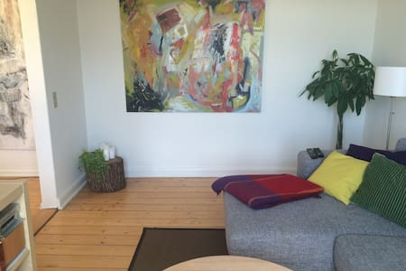 Bright 3-bedroom apartment - Odense - Daire