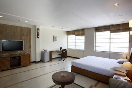 Room type: Private room Property type: Apartment Accommodates: 2 Bedrooms: 1