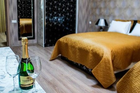 10 min by taxi from centre - Tbilisi - Bed & Breakfast