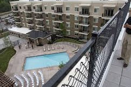 Layton private room. 25 minutes from Snow Basin!! - Layton - Appartement