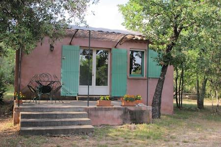 Joli mazet en pleine nature - Haus