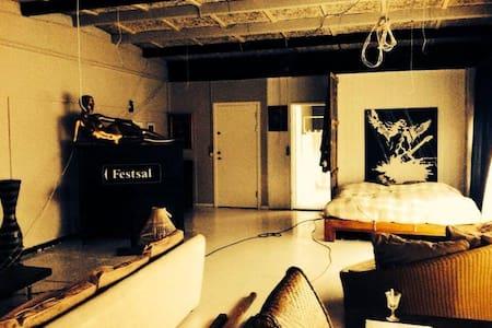bohem/newyorker apartment 120 kvm. - Taastrup - Appartement