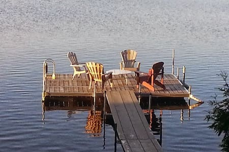 Waterfront cabin with great views. - Restoule - Cabane