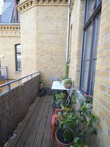 94 m2 mit Balkon mitten in Halle