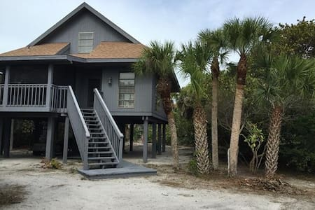 A True Island Getaway - Huis