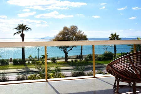 6 persons seaview Athens Riviera