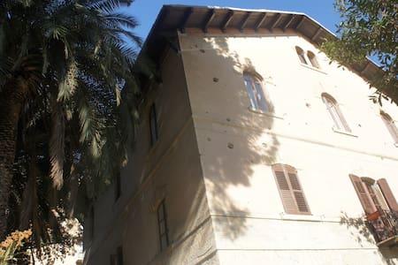 Villa liberty a Caltanissetta - Caltanissetta - Vila