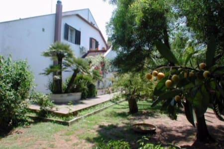 villa con piscina a lecce - Lecce - Villa