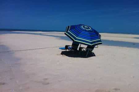 Beautiful 2/2 condo in Bimini Bay! - Leilighet