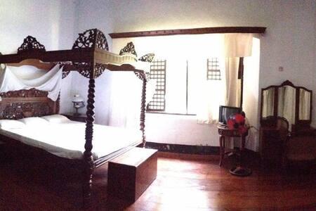 Villa Angela Heritage Intimate Cuarto del Senor - Leilighet