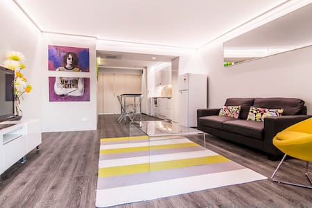 CBD Apartment with NBN Internet - Appartement