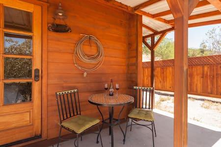 Rustic Bunkhouse at Creston Ranch - Kisház