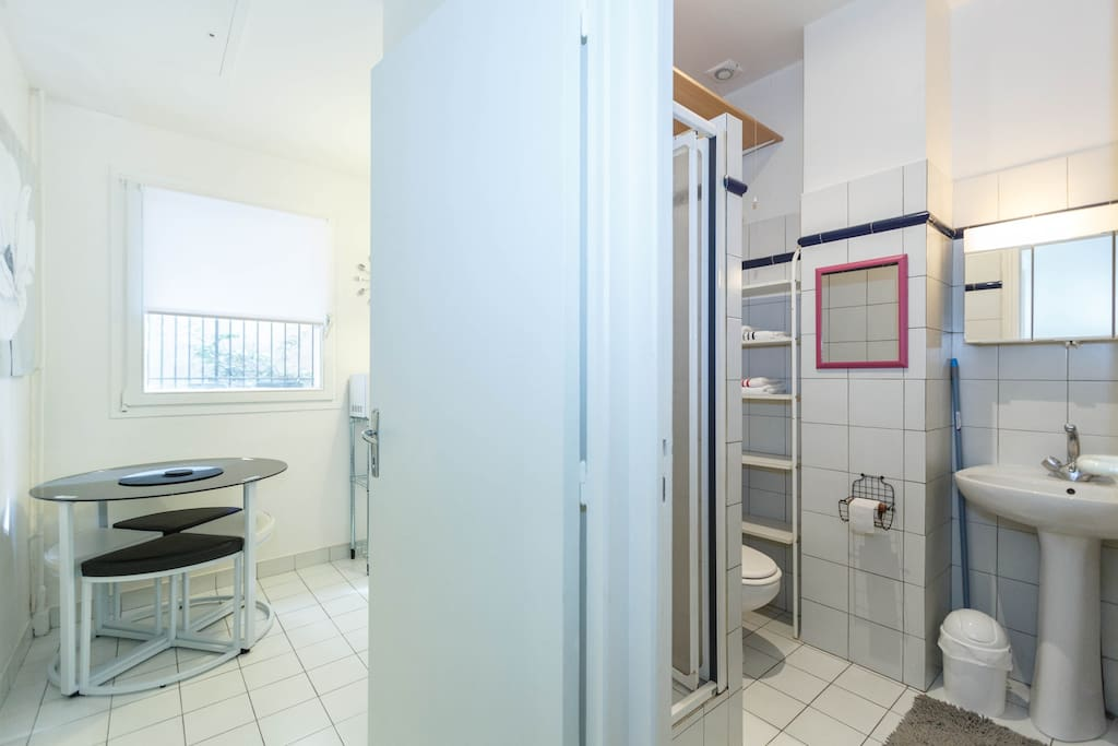 Aspect of bathroom and entrance of kitchen