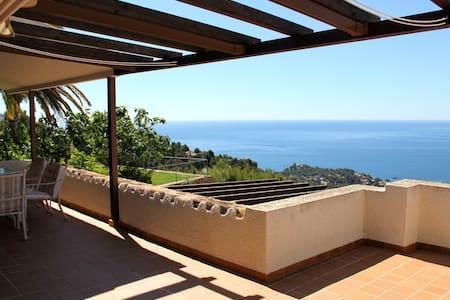 Extraordinaria villa con preciosas vistas al mar! - Altea Hills - House