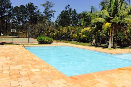 Dois chalés com piscina - Cabin