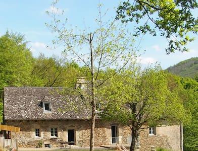 Maison corrézienne - Monceaux-sur-Dordogne - House