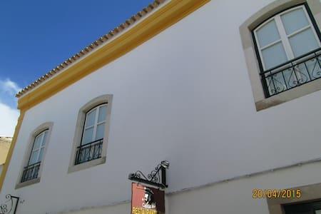 GUEST HOUSE CAPITÃO MOR  Faro  - Faro