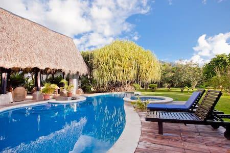 Hacienda JJ - Room #4 - Tamarindo - Bed & Breakfast