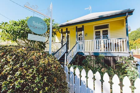 Natalie's Cottage - family friendly - East Toowoomba - House