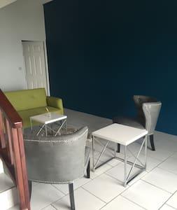 Maison De Luxe Oceanview (BBC Beach-house) - Sorház