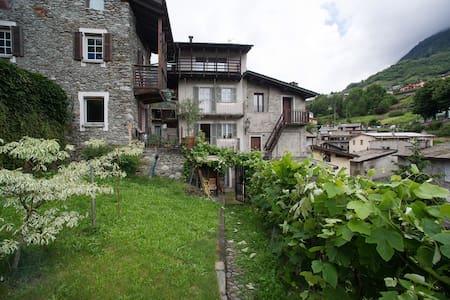 New SuperCentral Charming Cottage - Sondrio - House