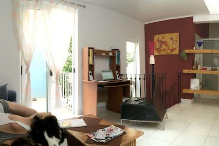 SLIEMA - s/d bedroom + WIFI - Pis